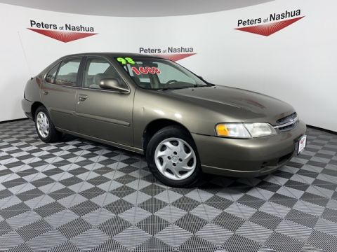 Pre-Owned 1998 Nissan Altima GLE
